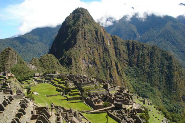Local Tours & Beyond - Peru Quechuas Lodge Ollantaytambo 600x400
