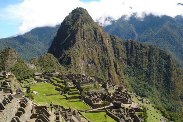 Machu Picchu - Cultural Roundtrip Peru - Peru Quechuas Lodge Ollantaytambo 600x400