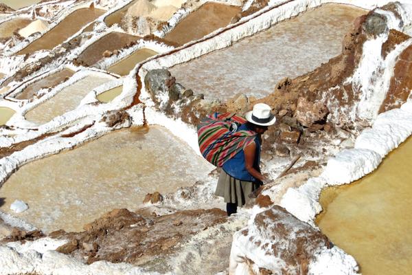 Maras - Cultural Roundtrip Peru - Peru Quechuas Lodge Ollantaytambo 600x400