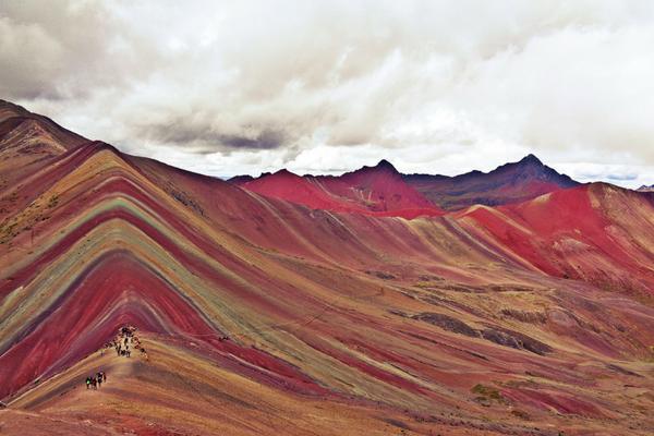 Rainbow Mountain - Peru Quechuas Lodge Ollantaytambo 600x400