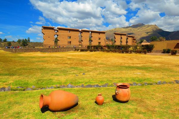 Raqchi - Peru Quechuas Lodge Ollantaytambo 600x400