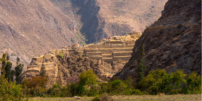The nearby ruins - Peru Quechuas Lodge Ollantaytambo 600x400