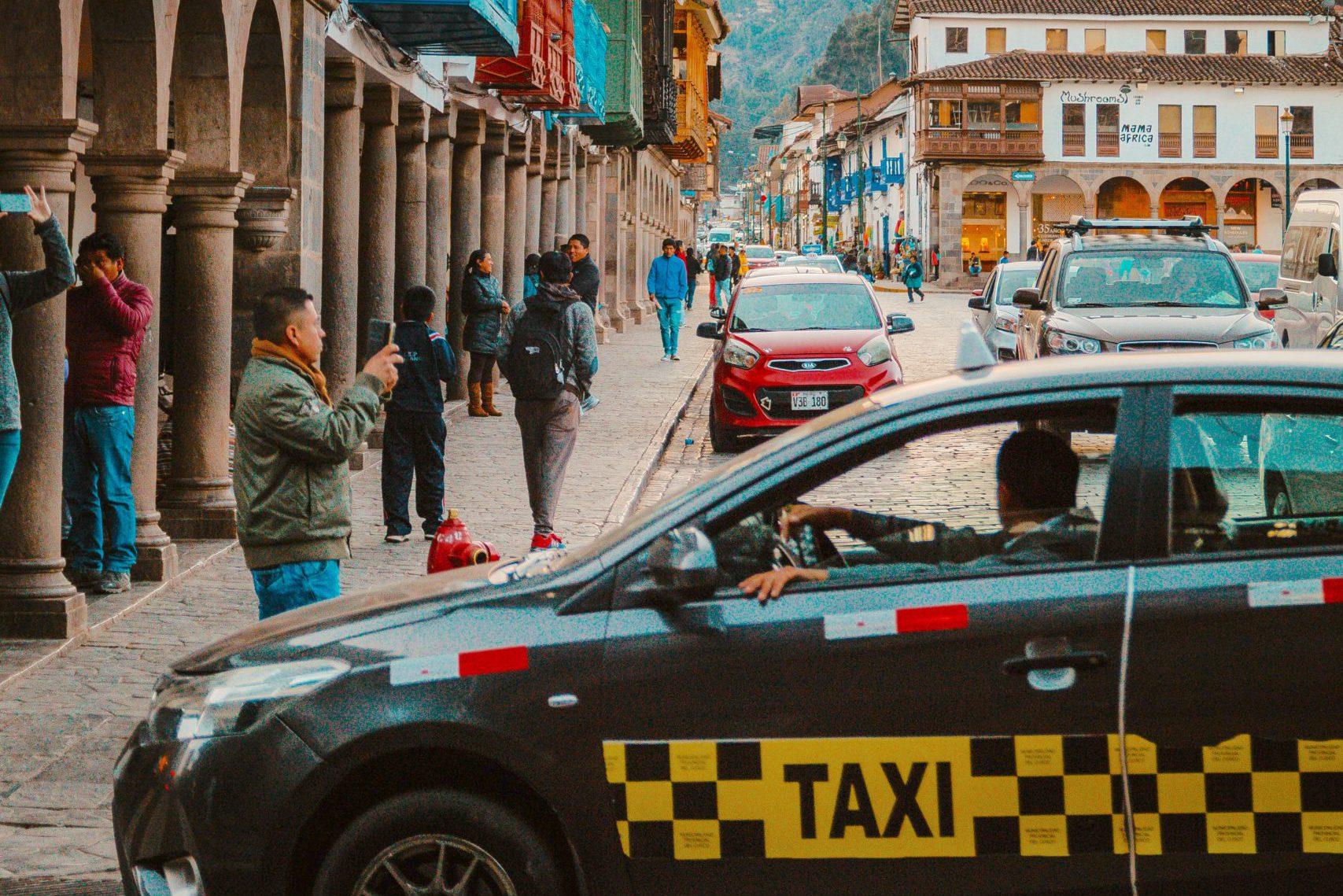 Taxi Shuttle 02 - Peru Quechuas Lodge Ollantaytambo